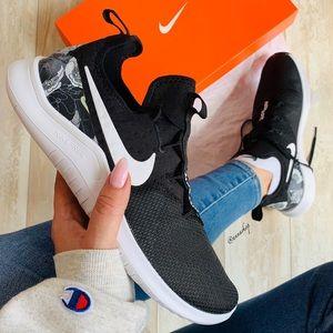 NWT Nike free trainers 8 AMP